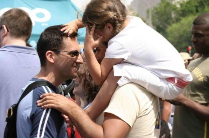 Fathers & Daughter. Capital Pride Festival from Elvert Barnes via Flickr (https://www.flickr.com/photos/perspective/219147757/in/photolist-knbZB-bpDDF1-yHYdc-yHYf6-yHVJJ-cd6fe5-yHWnP-yHGtQ-bpDBzb-3oVb4o-yHHxh-yHG6P-yHYmL-yHXJC-yHVL6-yHXQN-yHY5F-yHWtU-yHYfE-yHXUE-yHXab-yHYv8-yJ4p4-knbZG-yHYhh-yHYSG-yHZi1-bWooVt-yHVJh-yHYG3-bCyAKc-yHVvG-foDJd-yHFXq-yHWgF-yHXgK-eyVVd-yHVux-yHGQA-yHYeG-yHXEK-yHG66-yHXwJ-yJ48S-yHVxu-yHWkV-yHFLk-yHXWy-yHXTC-yHYCZ), cc (https://creativecommons.org/licenses/by/2.0/)